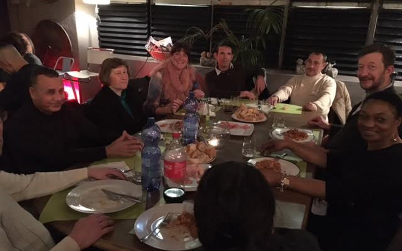 Come la maison invites people in need to enjoy fine italian food st mm vun der strooss - Come a la maison ...