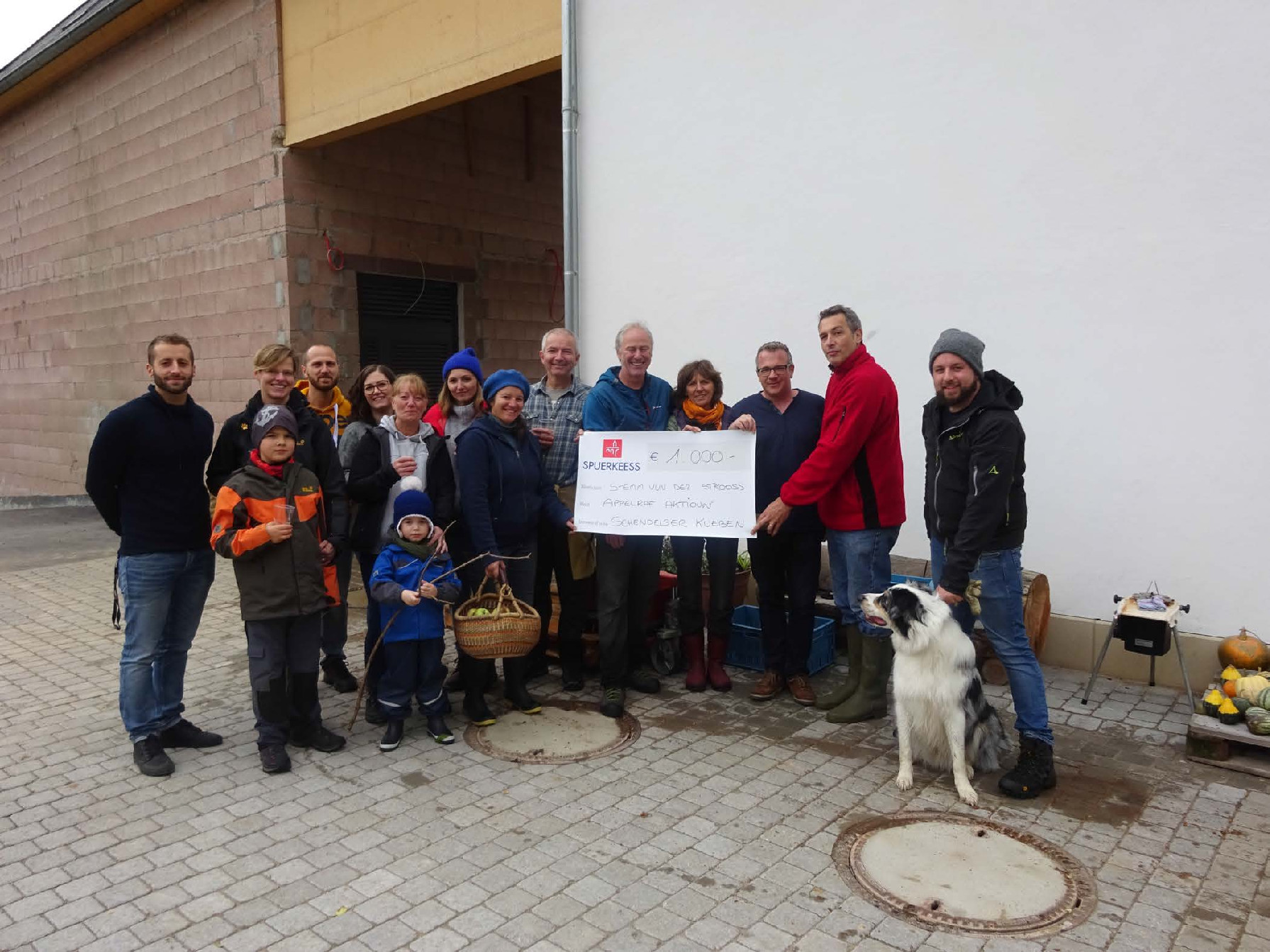Stëmm's receives 1 000 € from Schendelser Kueben to equip its new shed