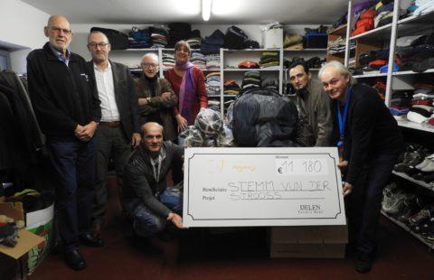 Fondation Majany donates 80 sleeping bags to Stëmm vun der Strooss.