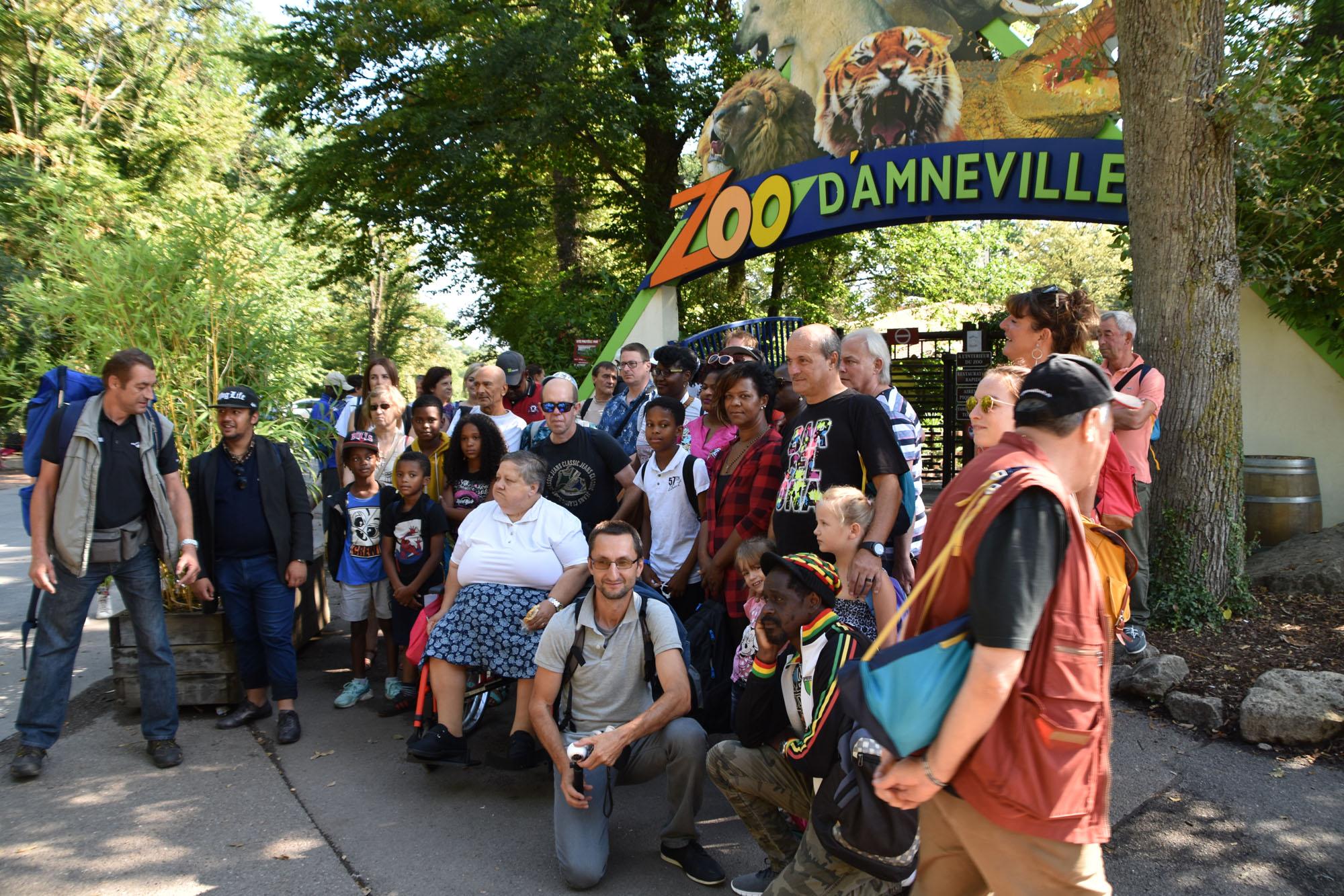 Stëmm vun der Strooss discovering the zoo of Amnéville