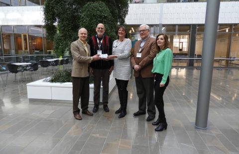 POST Luxembourg offers 352 gift vouchers to the Stëmm vun der Strooss
