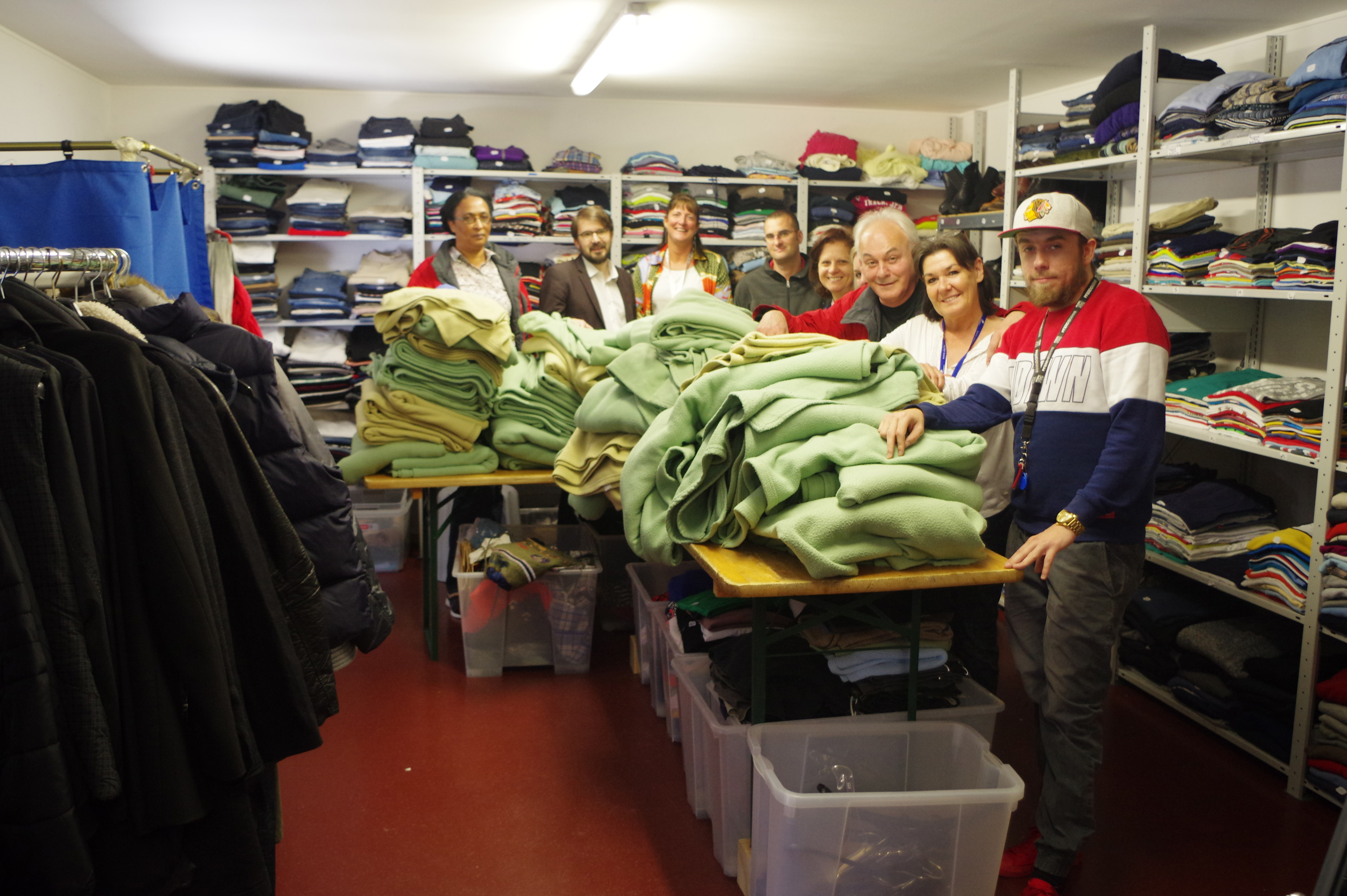 52 blankets offered by the Ibis Hotel to people in need
