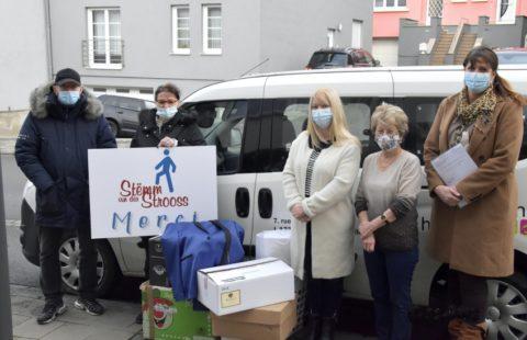 A van full of clothes from the non-profit organization Hëllefen mat Herz for the Stëmm vun der Strooss