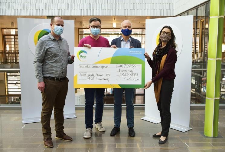 POST Luxembourg recueille des chèques-cadeaux et soutient la Stëmm vun der Strooss