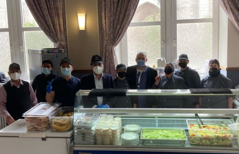 The Association Musulmane Ahmadiyya Luxembourg has offered an Indian Lunch to the guests from the Stëmm vun der Strooss