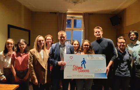 Le Rotaract Club Luxembourg contribue aux projets de la Stëmm vun der Strooss